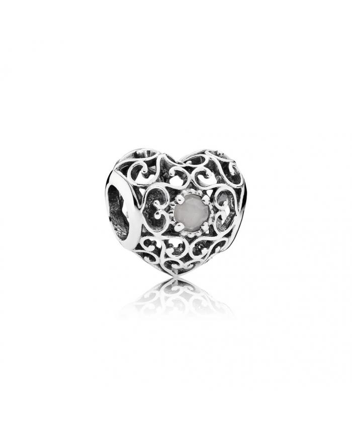 Pandora June Signature Heart, Grey Moonstone